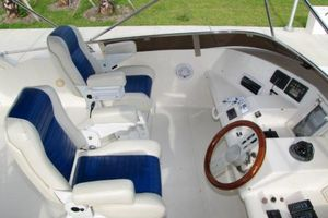 56' Gulf Craft Sport Flybridge Cruiser 2000 Gulf Craft Upper Helm