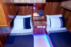 56' Gulf Craft Sport Flybridge Cruiser 2000 Gulf Craft Guest Stateroom