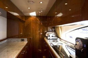 80' Azimut Carat 2005 Galley