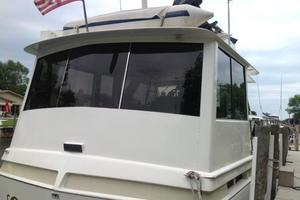 47' Chris-Craft Commander Flush Deck 2001