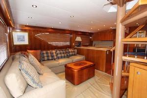 60' Hatteras Enclosed Bridge 2002 Salon