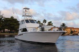 60' Hatteras Enclosed Bridge 2002 Bow