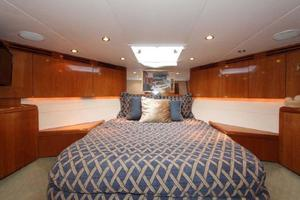 60' Hatteras Enclosed Bridge 2002 VIP Cabin