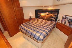 60' Hatteras Enclosed Bridge 2002 Master Stateroom