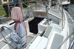 52' Creekmore Full Keel Cutter 2002 Deep Cockpit