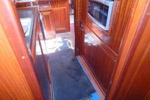 52' Creekmore Full Keel Cutter 2002 Walk through Forward