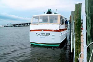 63' Trumpy Houseboat 1969 DSCN1275.JPG