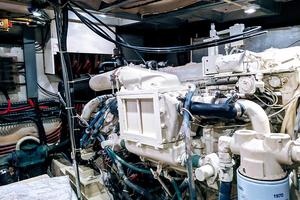 48' Californian Motor Yacht 1989 Engineroom