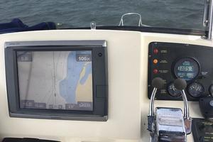 38' Pacific Seacraft Fast Trawler 2000 Flybridge Helm