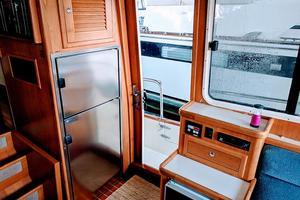 38' Pacific Seacraft Fast Trawler 2000 Refrigerator Freezer