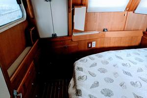 38' Pacific Seacraft Fast Trawler 2000 Master Stateroom