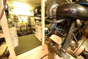 55' Neptunus Motor Yacht 1995 Engine Room