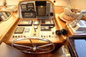 55' Neptunus Motor Yacht 1995 Lower Helm
