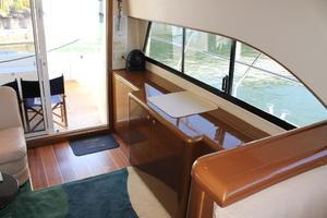 55' Neptunus Motor Yacht 1995 Salon