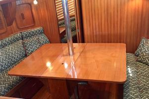 42' Tayana 42 1991 Dining Table