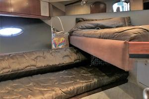 46' Cruisers Yachts 460 Express 2007 Forward V-Berth