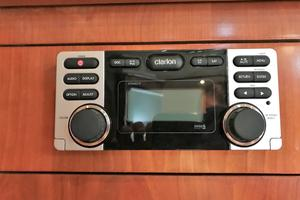 46' Cruisers Yachts 460 Express 2007 Clarion Head unit