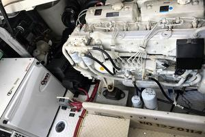 46' Cruisers Yachts 460 Express 2007 Engine Room