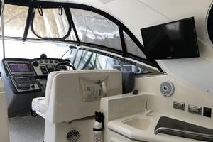 46' Cruisers Yachts 460 Express 2007 Cockpit TV