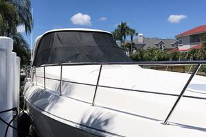 46' Cruisers Yachts 460 Express 2007 Bow Facing Aft