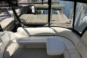 46' Cruisers Yachts 460 Express 2007 Cockpit Seating