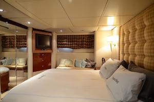87' Oceanfast 87 2000 VIP Stateroom