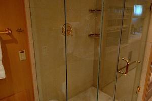 110' Broward  1983 Master Bathroom
