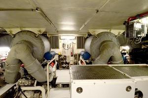 105' Heesen  1988 Engine Room