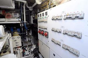 85' Jongert Long Range Cruiser 1986 Engine Room