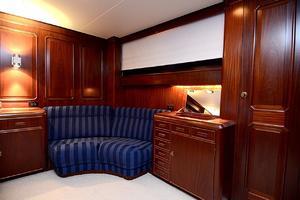 85' Jongert Long Range Cruiser 1986 Master Vanity