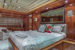 94' Ferretti Yachts  2004 VIP Stateroom