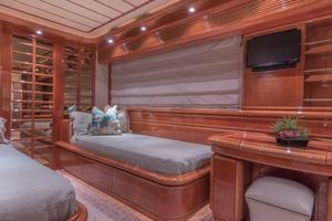 94' Ferretti Yachts  2004 Guest Stateroom