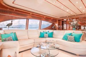 94' Ferretti Yachts  2004 Salon