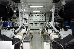 105' Intermarine  2000 Engine Room
