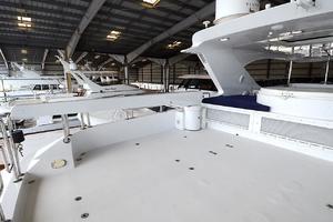 105' Intermarine  2000 Flybridge - Davit