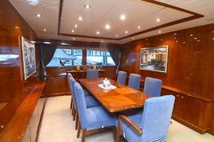 105' Intermarine  2000 Dining Area
