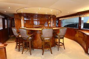 105' Intermarine  2000 Bar Seating