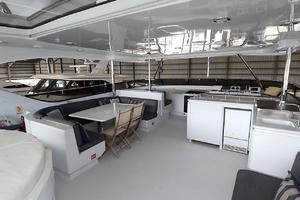 105' Intermarine  2000 Flybridge