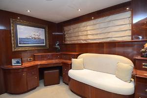 105' Intermarine  2000 Master Vanity