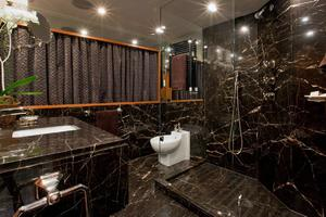 159' Feadship  1987 Master Bathroom