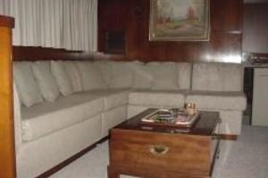 58' Trumpy motor yacht 1970 Salon