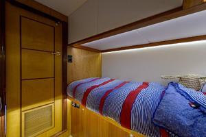48' Maverick Sportyacht 2015 Guest Stateroom