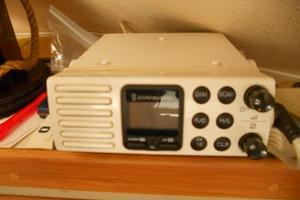 37' Bertram 37 Convertible 1989 SALON - VHF