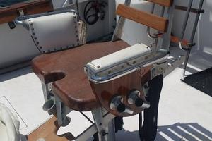 42' Post 42 Sportfish 1975 Release Fighting Chair (a)