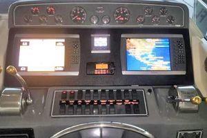 40' Tiara 4000 Express 1999 Helm Electronics and Instrumentation