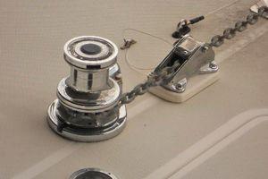 40' Tiara 4000 Express 1999 Windlass w/ Bow & Helm Controls