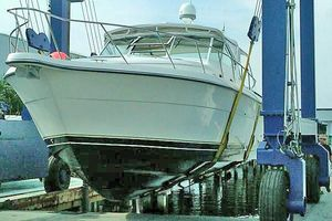 40' Tiara 4000 Express 1999 Haul-out Port Side