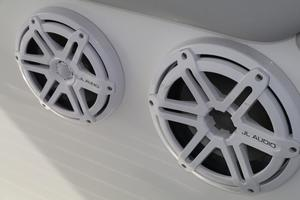39' Concept Boats 3900 CC 2014 1 of 4 Sets - Outside Speakers