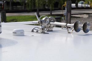 39' Concept Boats 3900 CC 2014 Horn/VHF/GPS Antennas