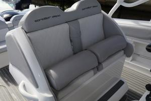 39' Concept Boats 3900 CC 2014 Helm Seats - Bolster Up